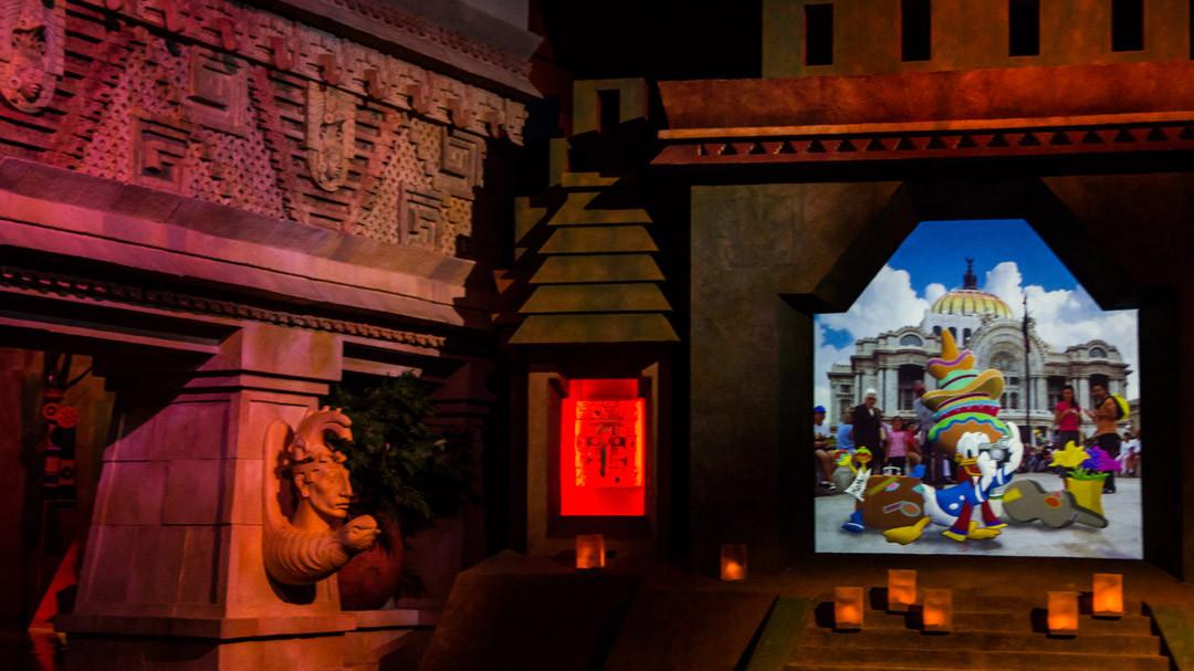 Donald Duck - Gran Fiesta Tour - Disney World Attraction