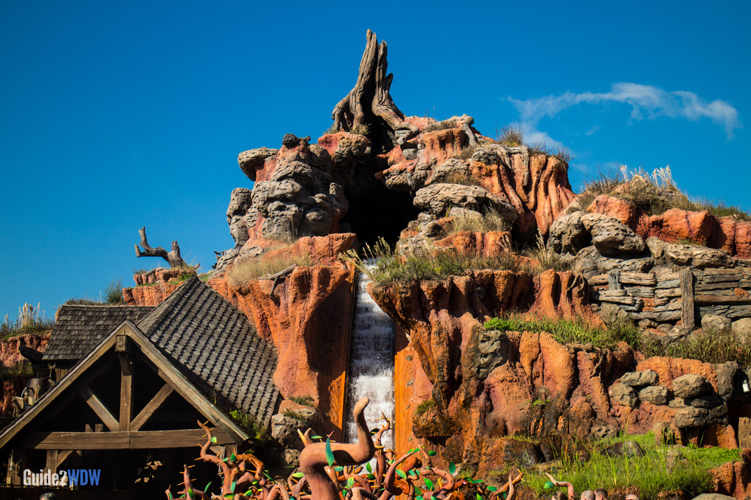 Splash Mountain - Exterior - Disney World