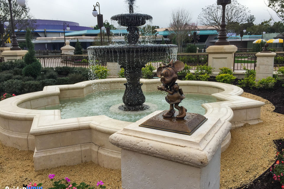 Plaza Gardens Fountain - Minnie Statue - Magic Kingdom